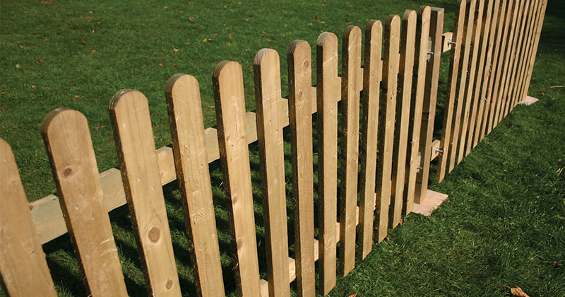 Hire Picket Fencing from Event Hire UK. Outdoor Furniture Hire   Event Hire UK