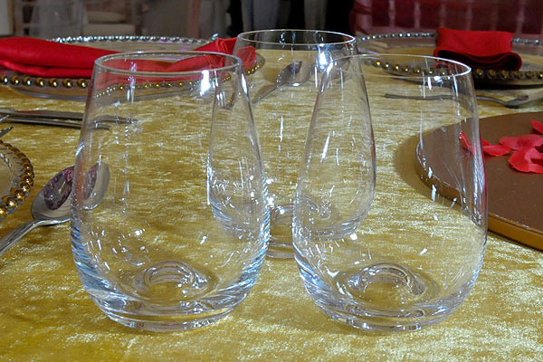 *NEW* Stemless wine glass hire
