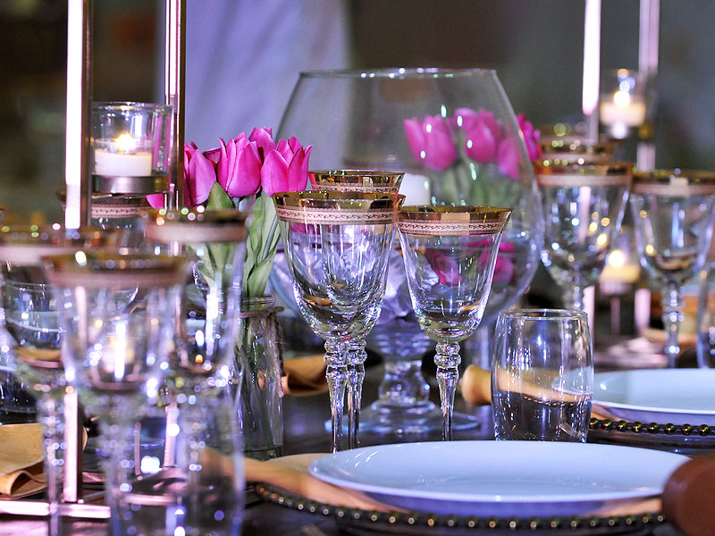 Patterned Gold Rim Glassware Hire