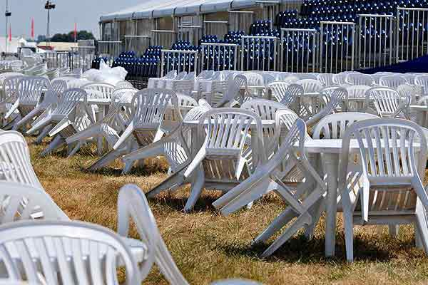 Patio chair & table rental in large numbers